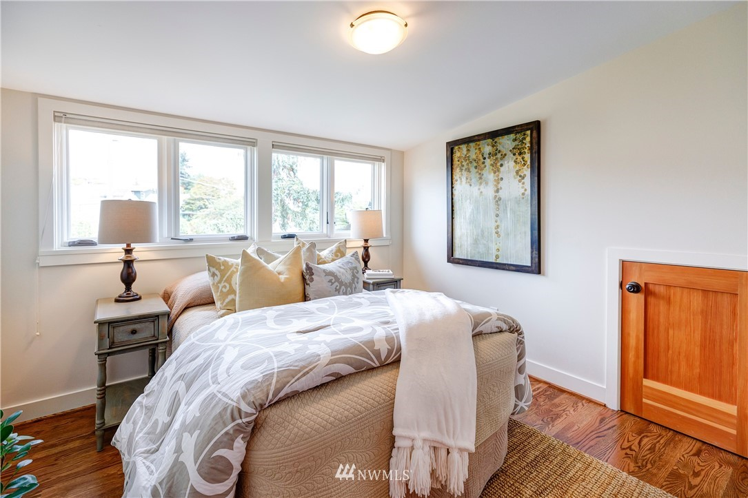Sold Property | 2321 N 53rd Street Seattle, WA 98103 16