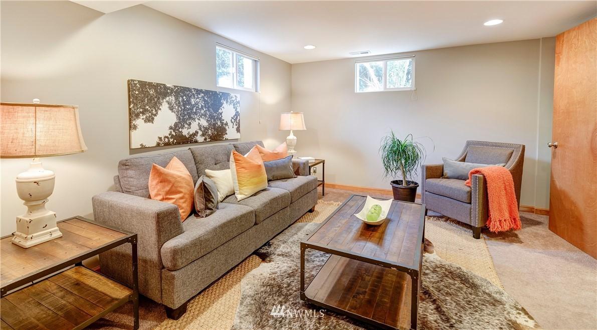 Sold Property | 2321 N 53rd Street Seattle, WA 98103 19