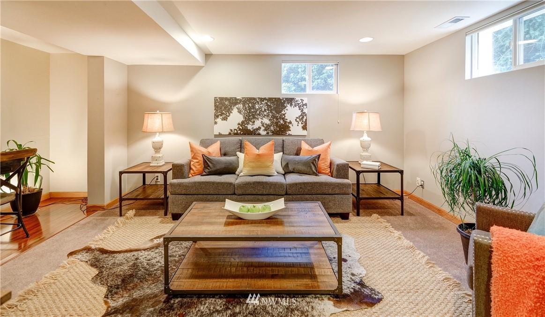 Sold Property | 2321 N 53rd Street Seattle, WA 98103 18