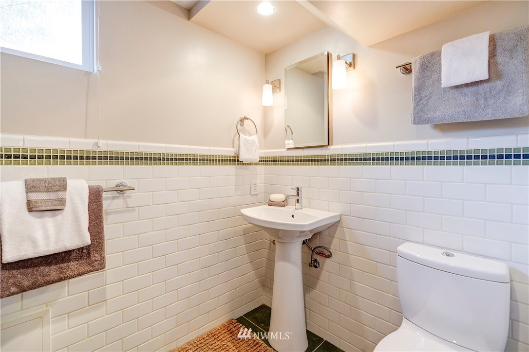Sold Property | 2321 N 53rd Street Seattle, WA 98103 20