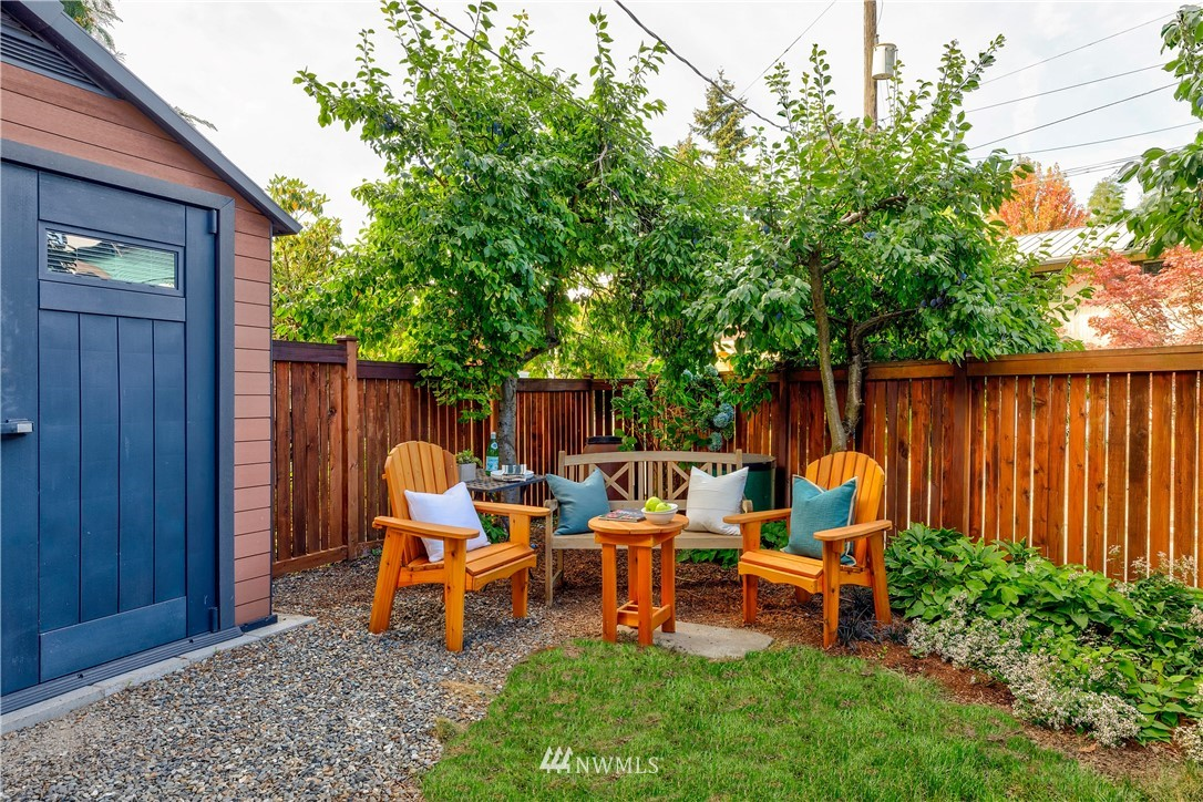 Sold Property | 2321 N 53rd Street Seattle, WA 98103 23