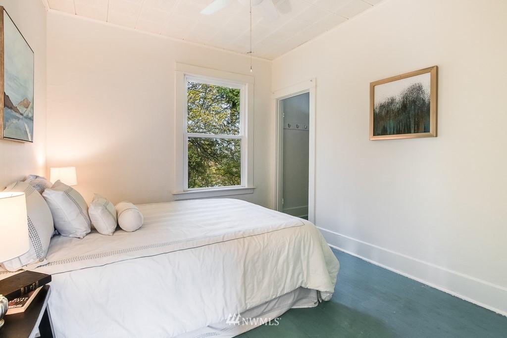 Sold Property   5525 S Norfolk Street Seattle, WA 98118 8