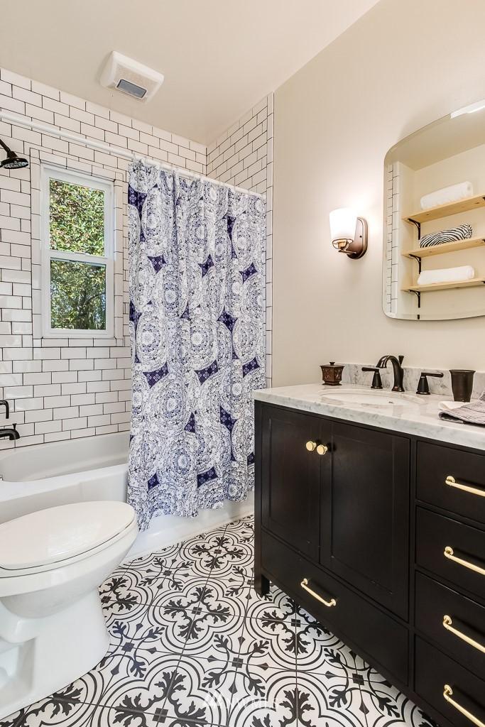 Sold Property   5525 S Norfolk Street Seattle, WA 98118 11