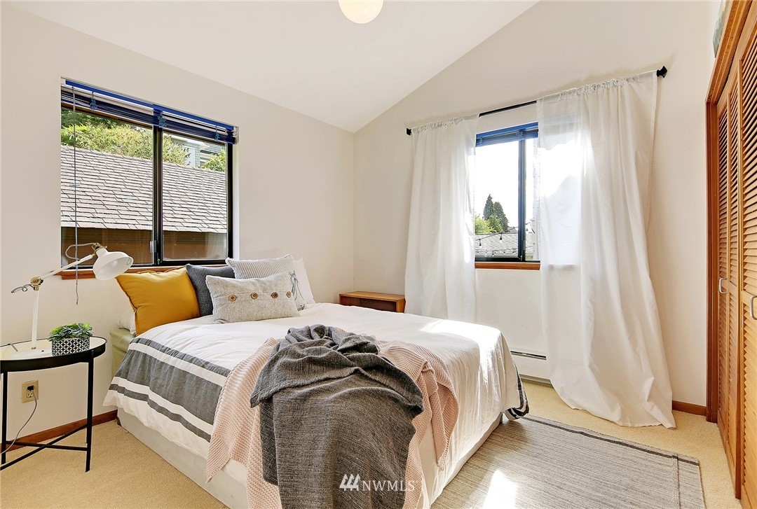 Sold Property | 3536 45th Avenue NE Seattle, WA 98105 9