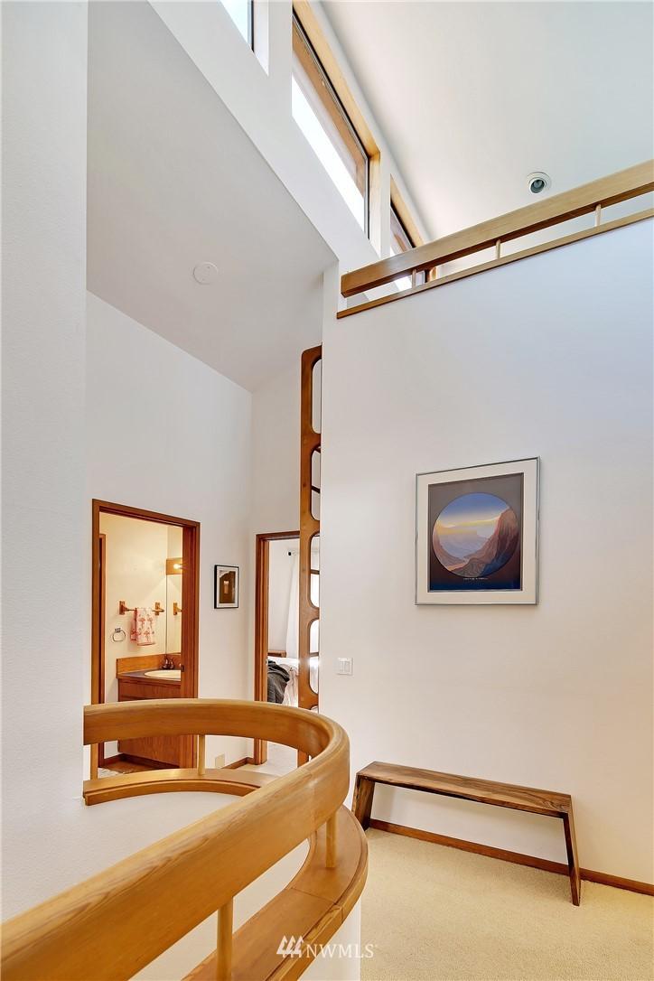 Sold Property | 3536 45th Avenue NE Seattle, WA 98105 8