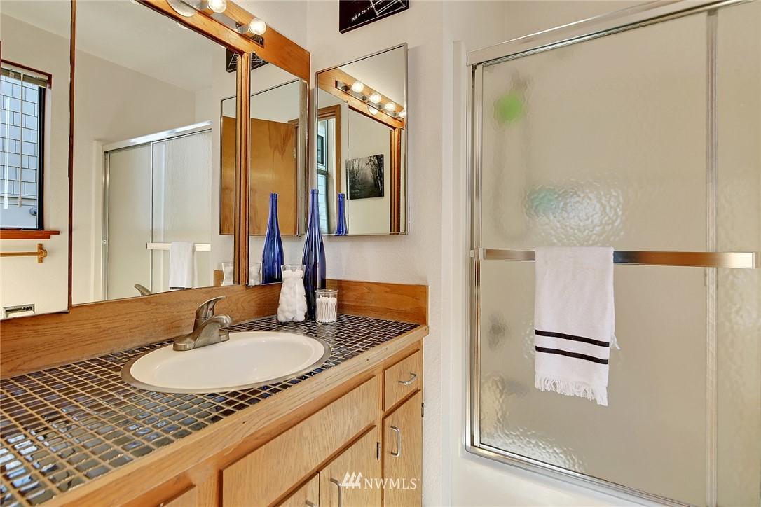 Sold Property | 3536 45th Avenue NE Seattle, WA 98105 11