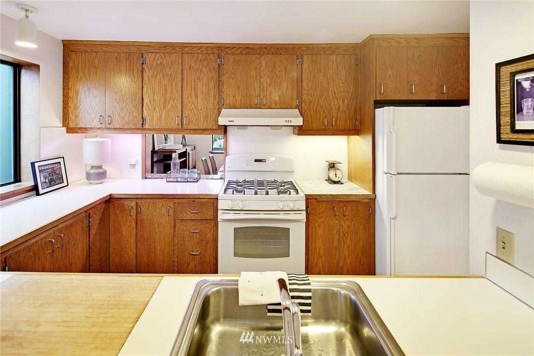 Sold Property | 3536 45th Avenue NE Seattle, WA 98105 4