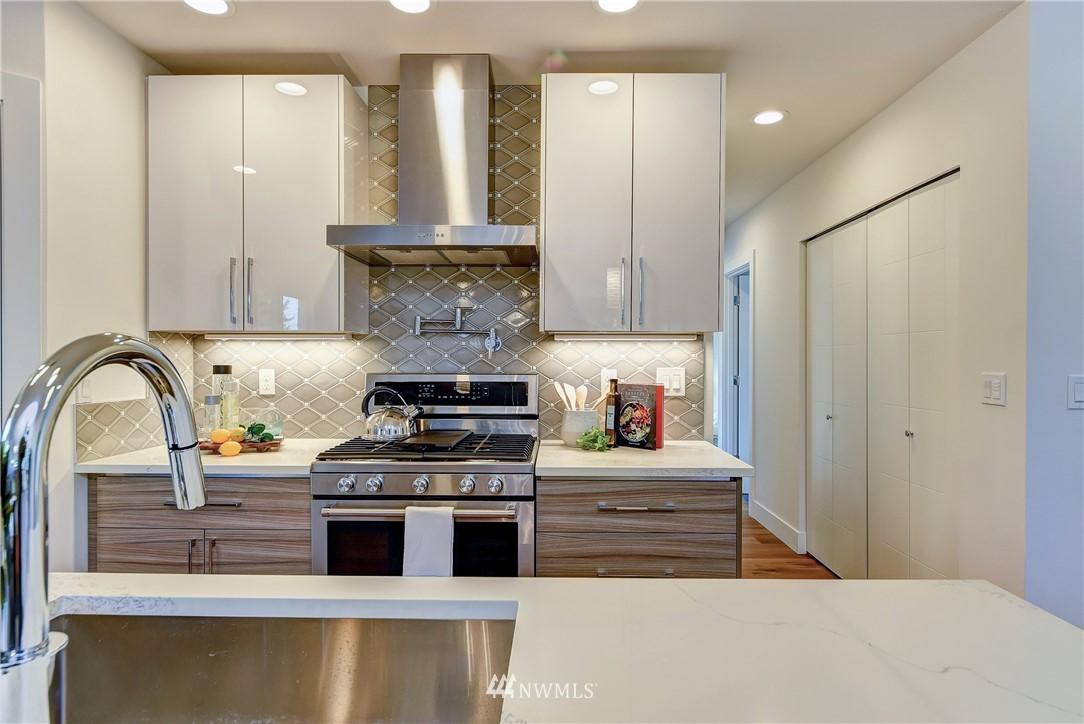 Sold Property | 5003 50th Avenue SW Seattle, WA 98136 6