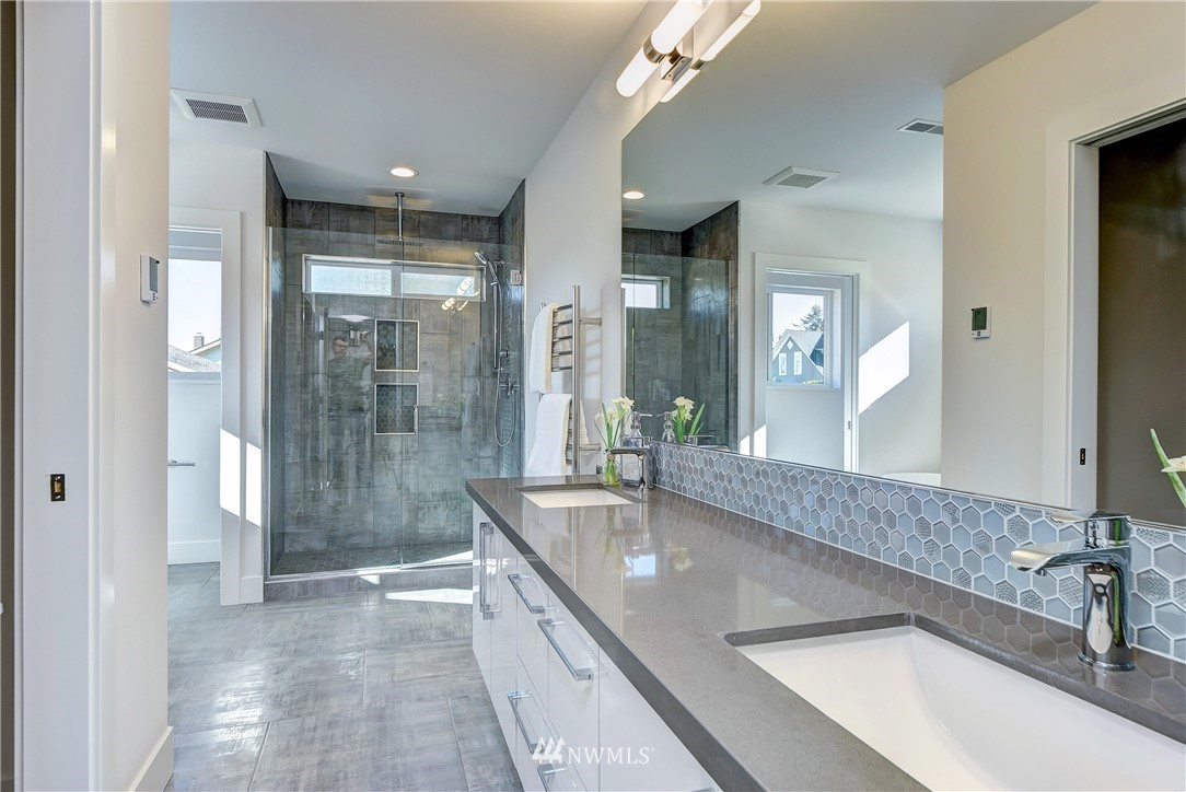 Sold Property | 5003 50th Avenue SW Seattle, WA 98136 9