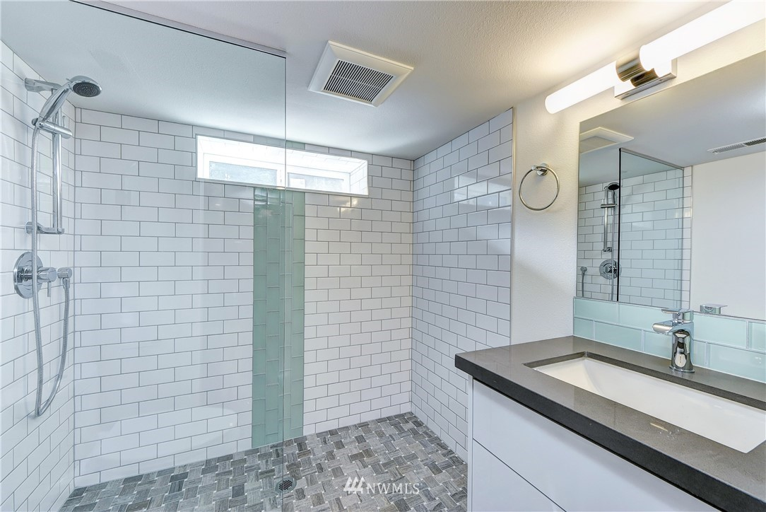 Sold Property | 5003 50th Avenue SW Seattle, WA 98136 13