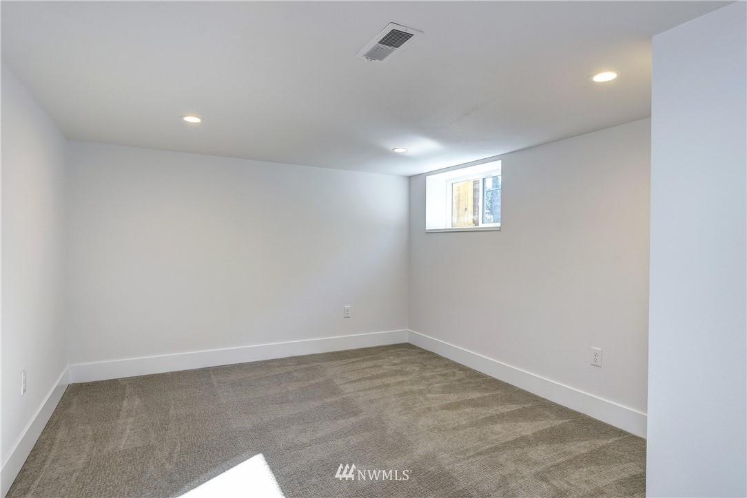 Sold Property | 5003 50th Avenue SW Seattle, WA 98136 16
