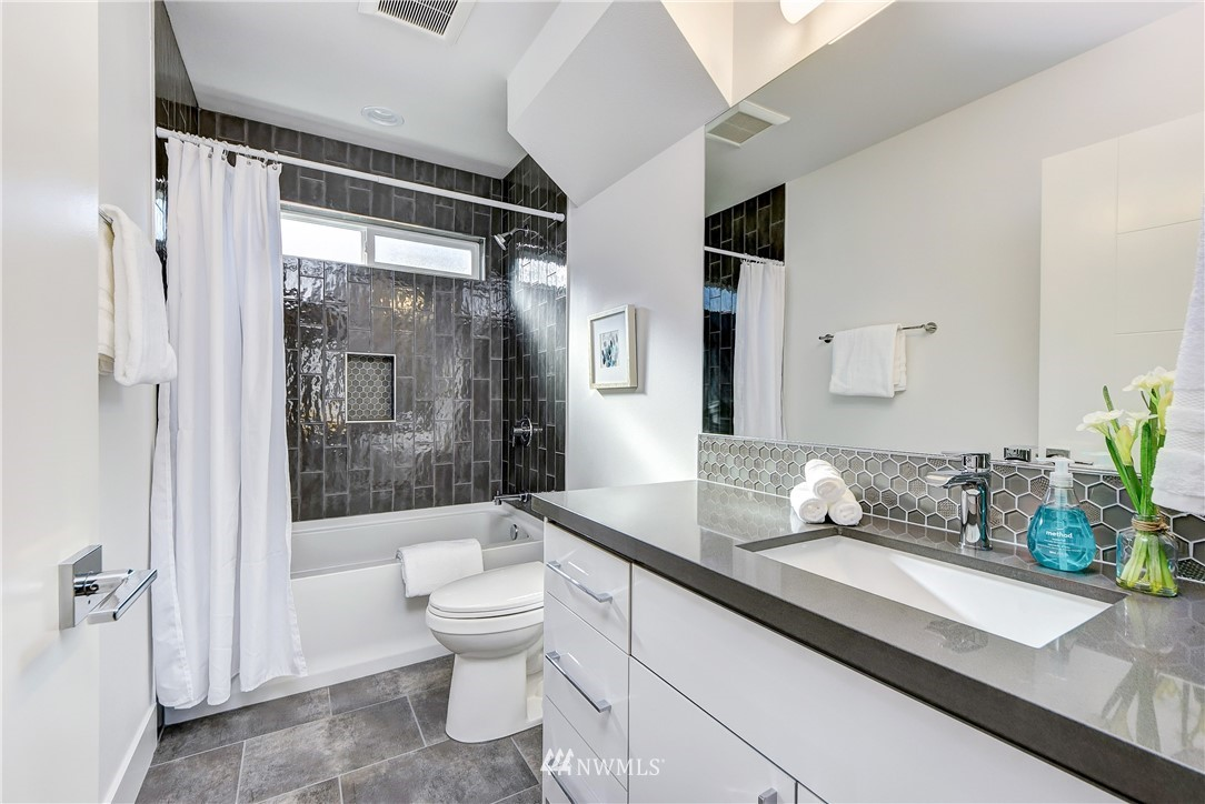 Sold Property | 5003 50th Avenue SW Seattle, WA 98136 18