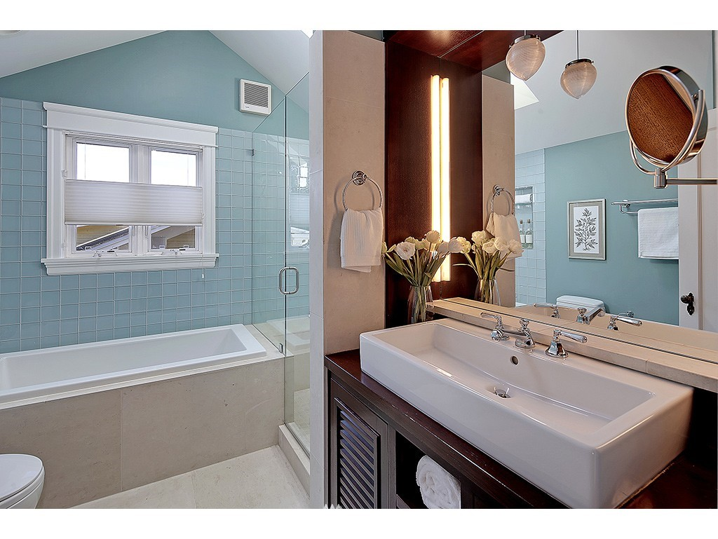 Sold Property   6221 17th Avenue NE Seattle, WA 98115 10