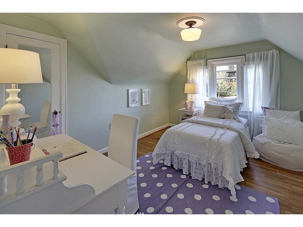 Sold Property   6221 17th Avenue NE Seattle, WA 98115 11