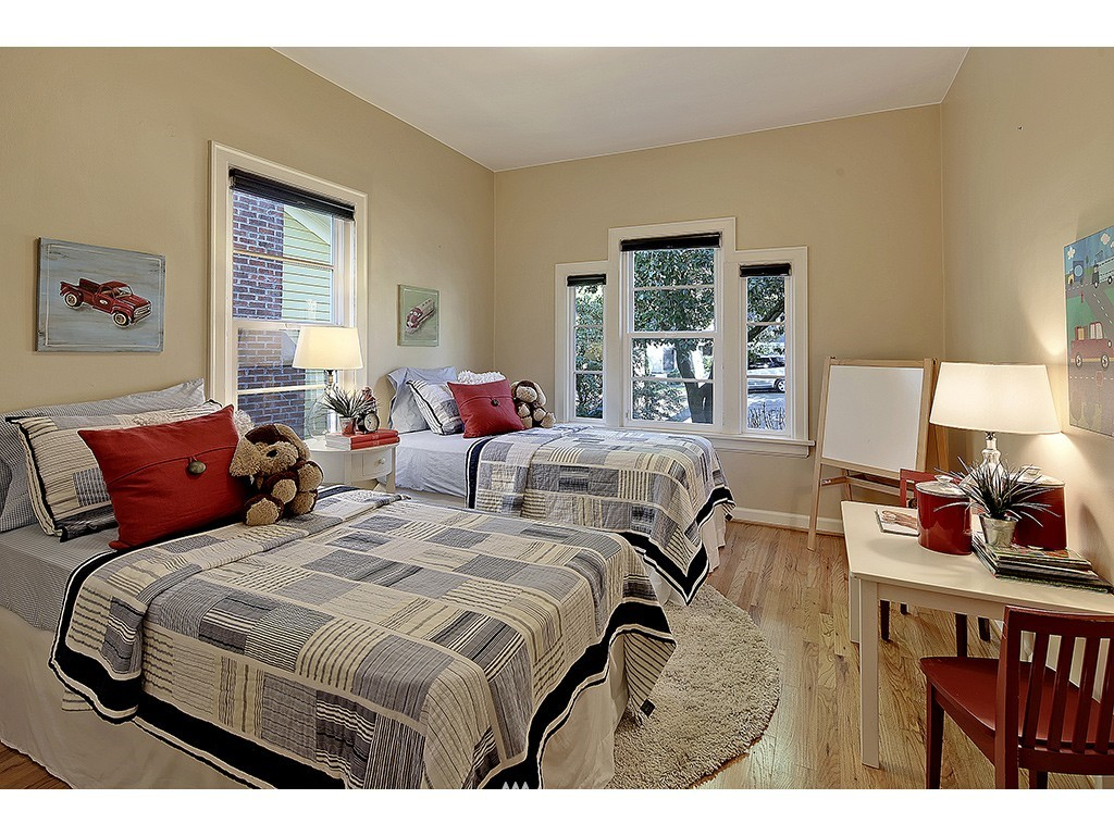 Sold Property   6221 17th Avenue NE Seattle, WA 98115 12