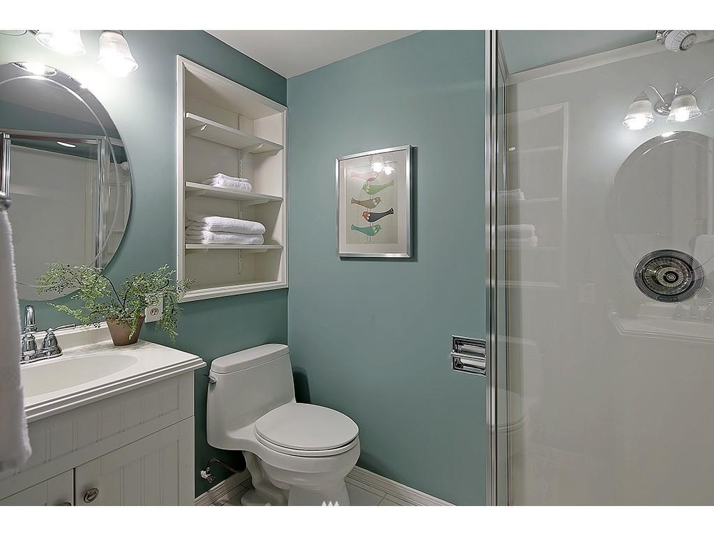 Sold Property   6221 17th Avenue NE Seattle, WA 98115 16