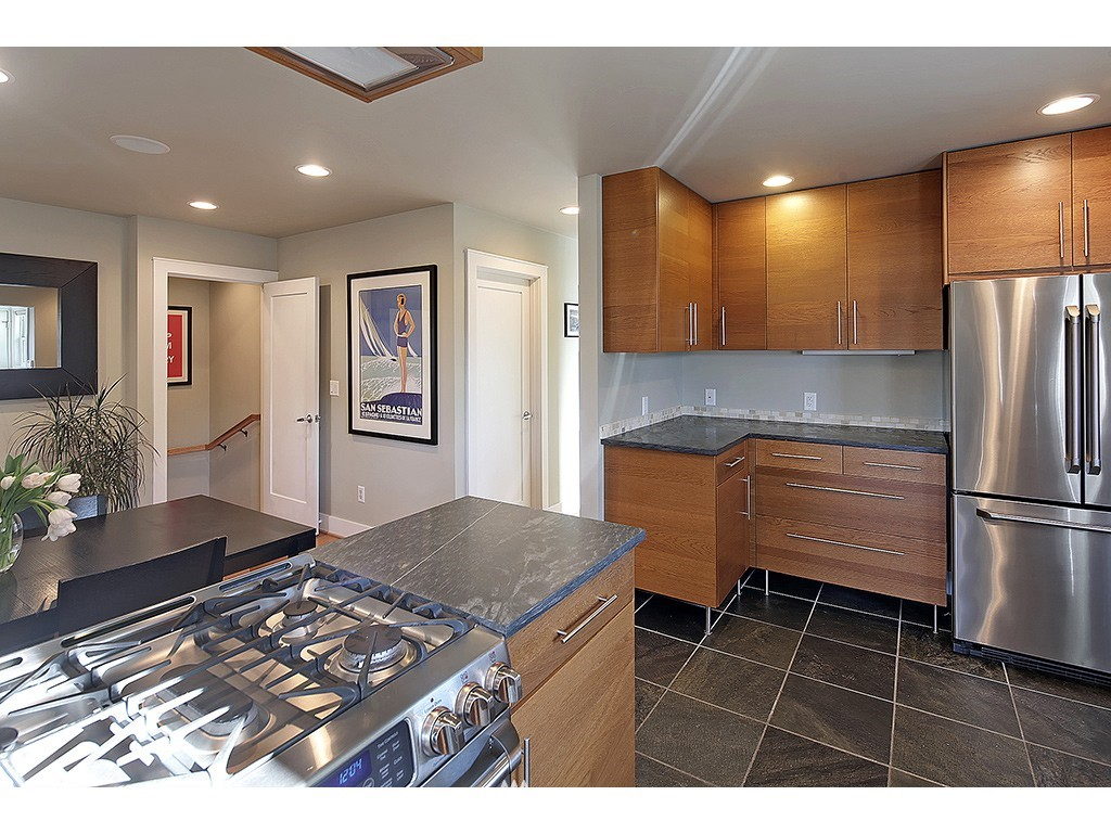 Sold Property | 6726 3rd Avenue NW Seattle, WA 98117 4