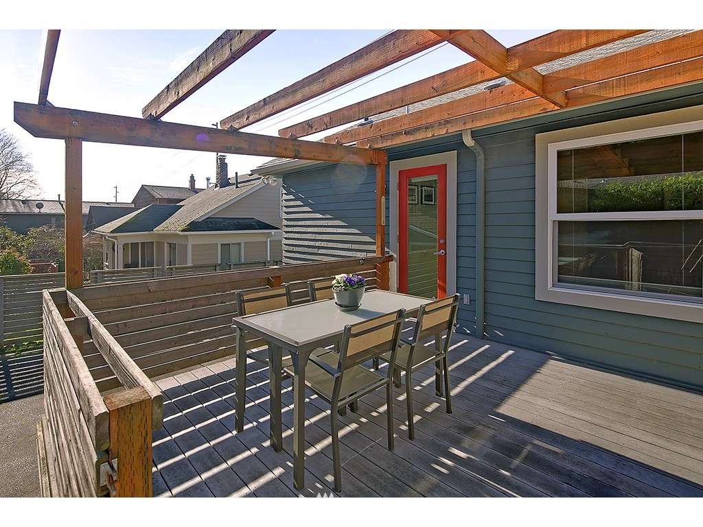 Sold Property | 6726 3rd Avenue NW Seattle, WA 98117 7