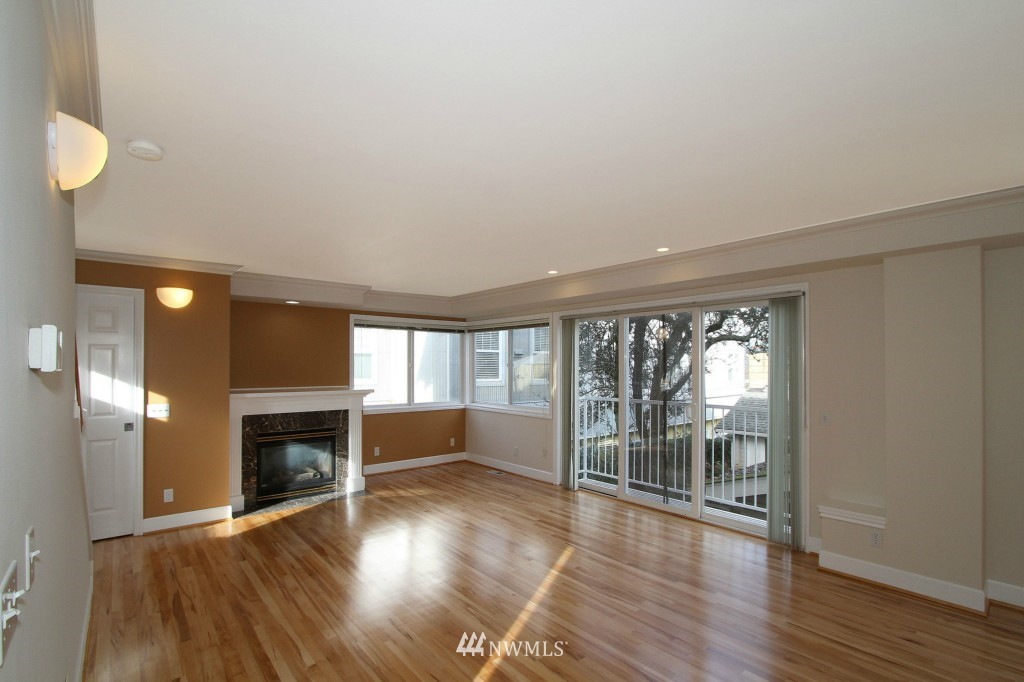 Sold Property   659 W Emerson Street Seattle, WA 98119 2