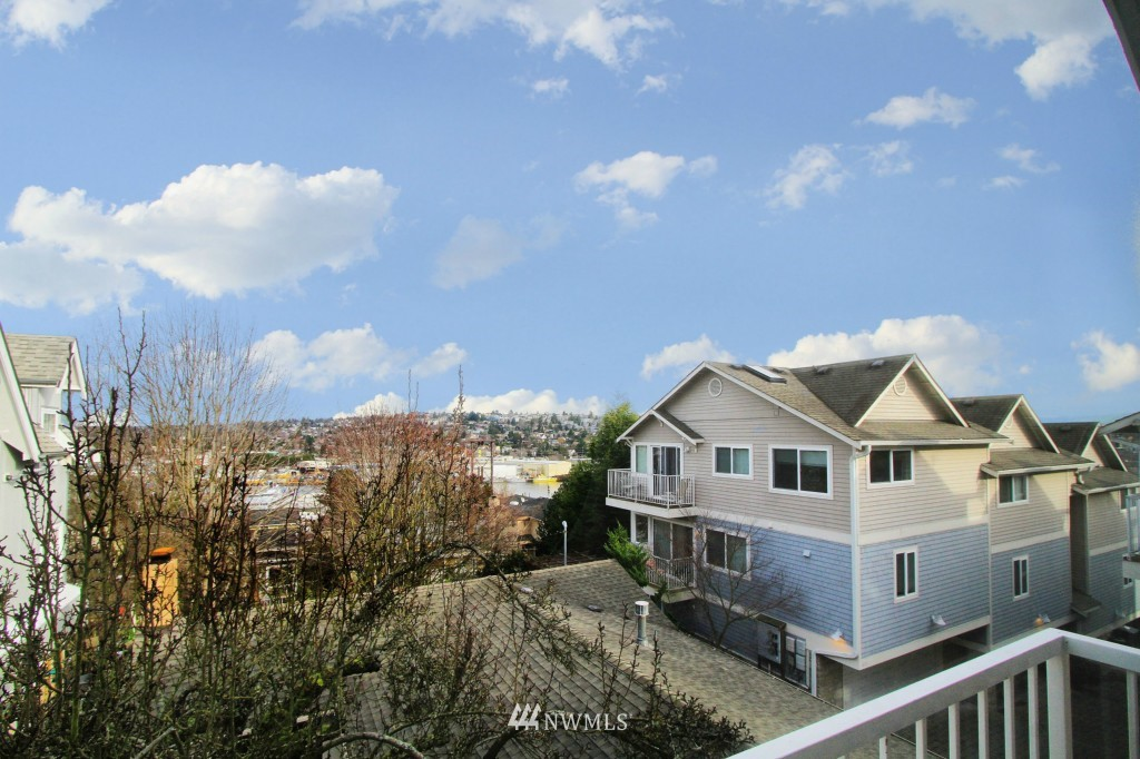 Sold Property   659 W Emerson Street Seattle, WA 98119 7