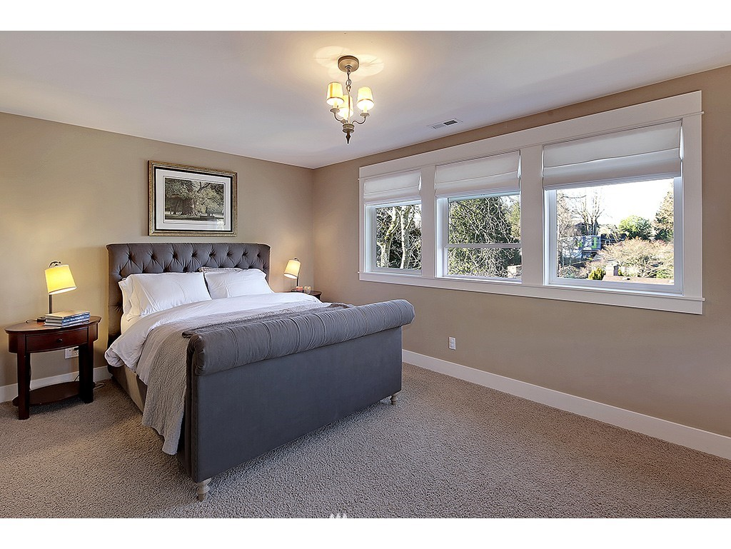 Sold Property | 4517 49th Avenue NE Seattle, WA 98105 7