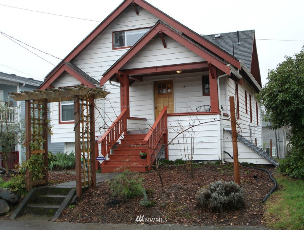 Sold Property | 7417 48th Avenue S Seattle, WA 98118 0