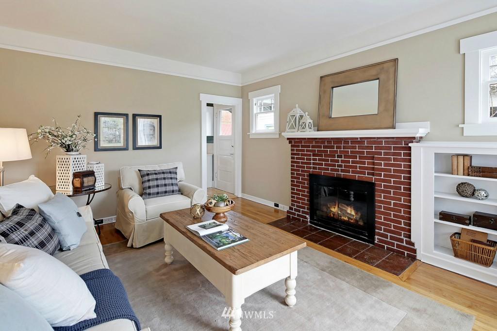 Sold Property | 1716 N 47th Street Seattle, WA 98103 4