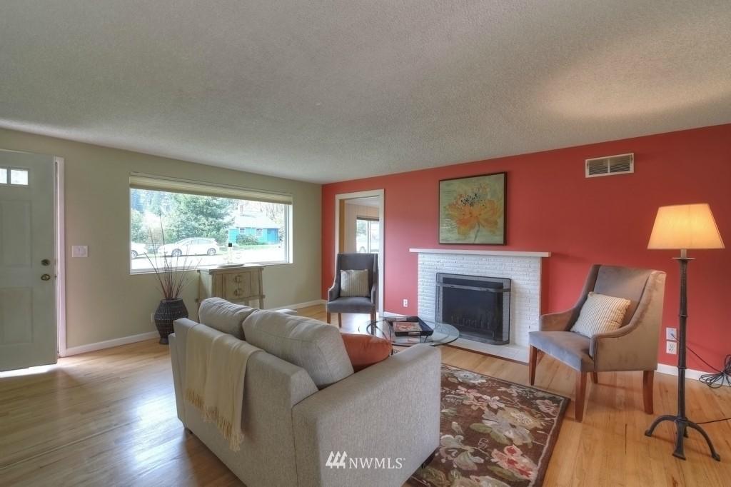 Sold Property | 13552 16th Avenue NE Seattle, WA 98125 1