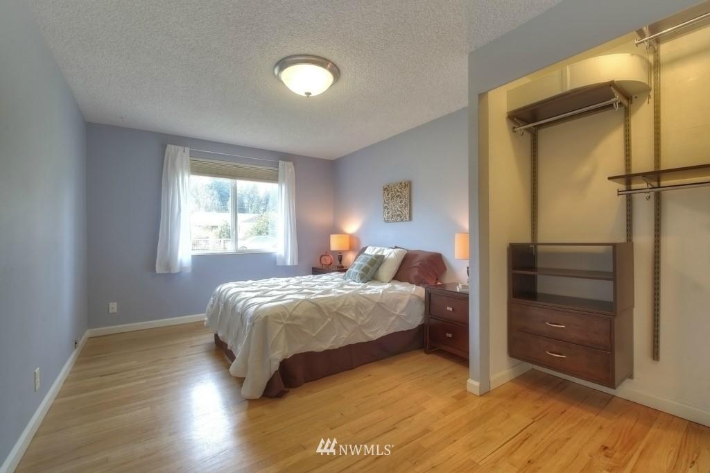 Sold Property | 13552 16th Avenue NE Seattle, WA 98125 6
