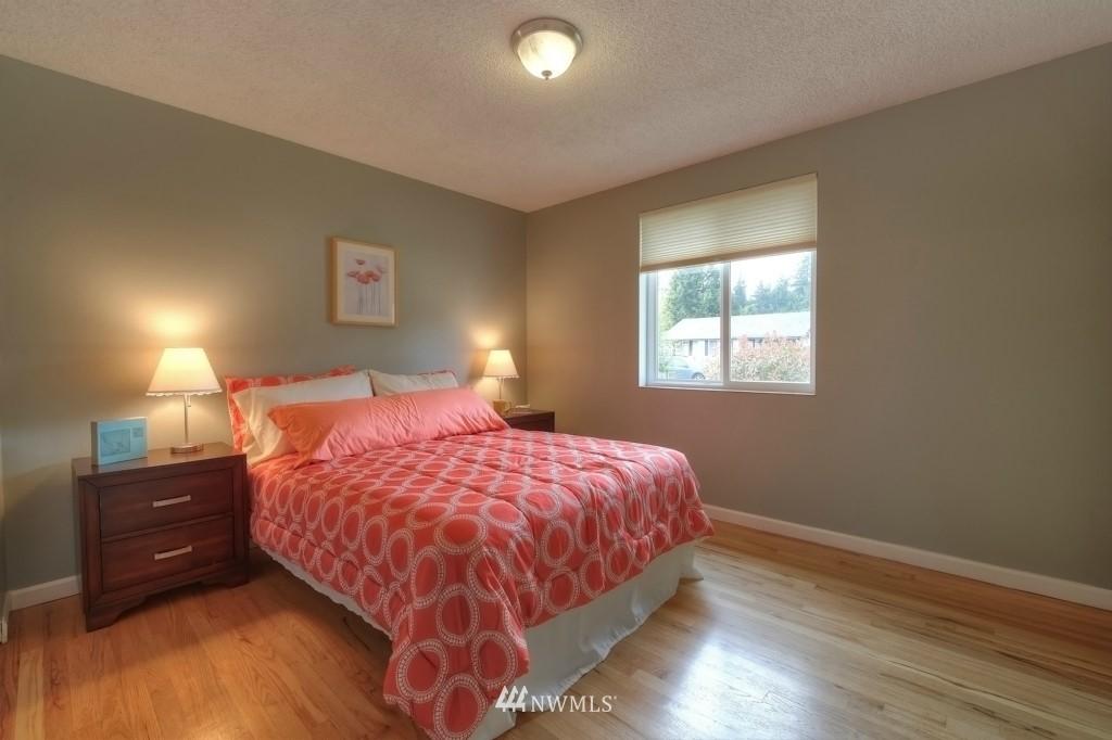 Sold Property | 13552 16th Avenue NE Seattle, WA 98125 8