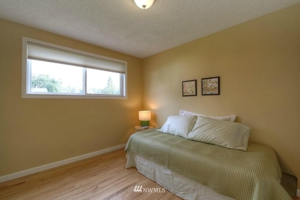 Sold Property | 13552 16th Avenue NE Seattle, WA 98125 9