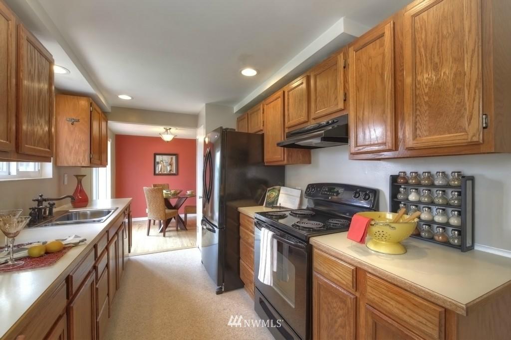Sold Property | 13552 16th Avenue NE Seattle, WA 98125 14