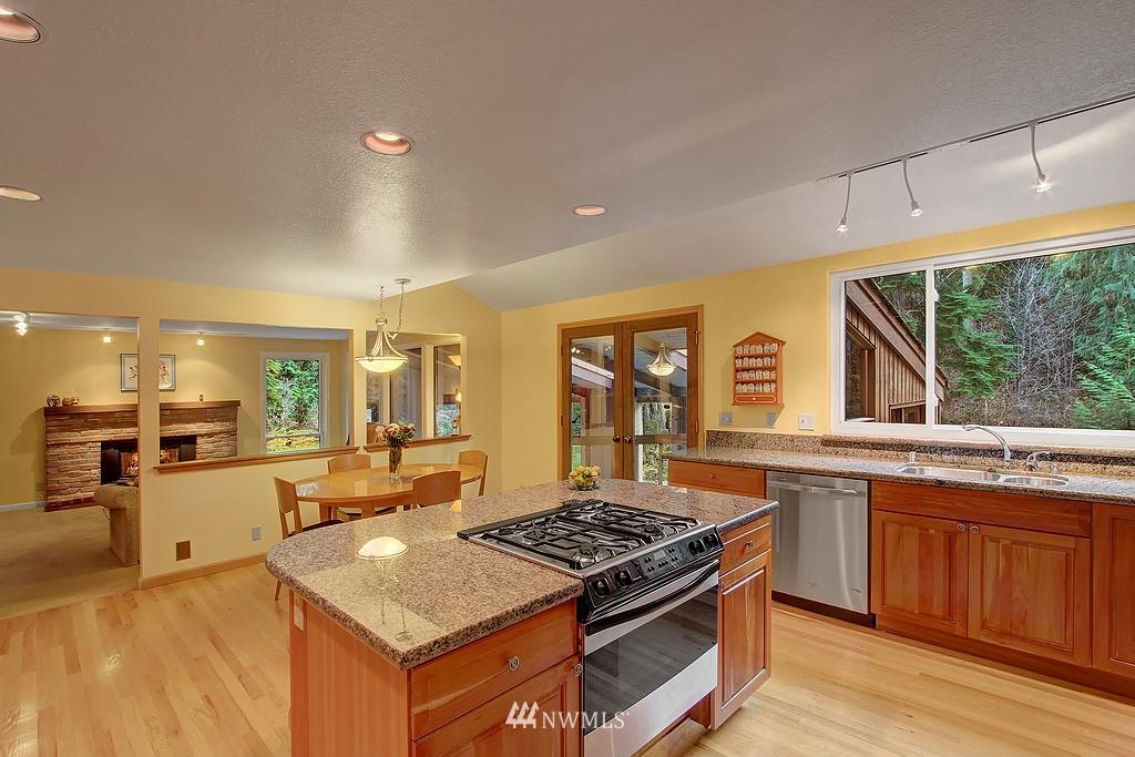 Sold Property | 20539 NE 162nd Street Woodinville, WA 98077 3