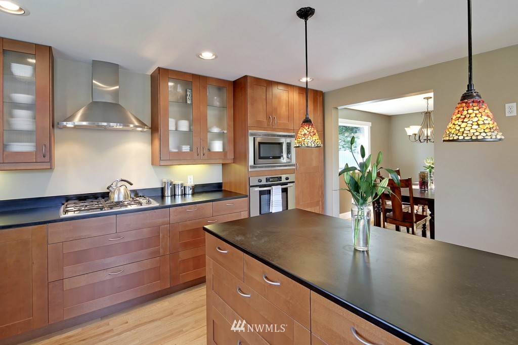 Sold Property   1412 153 Place SE Bellevue, WA 98007 6