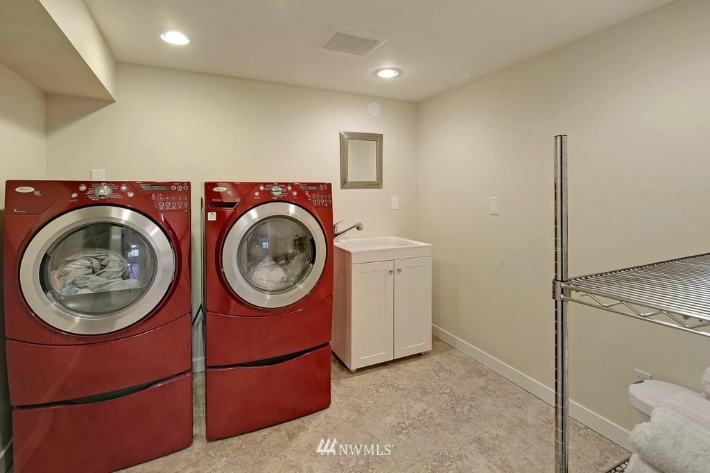 Sold Property   1412 153 Place SE Bellevue, WA 98007 16
