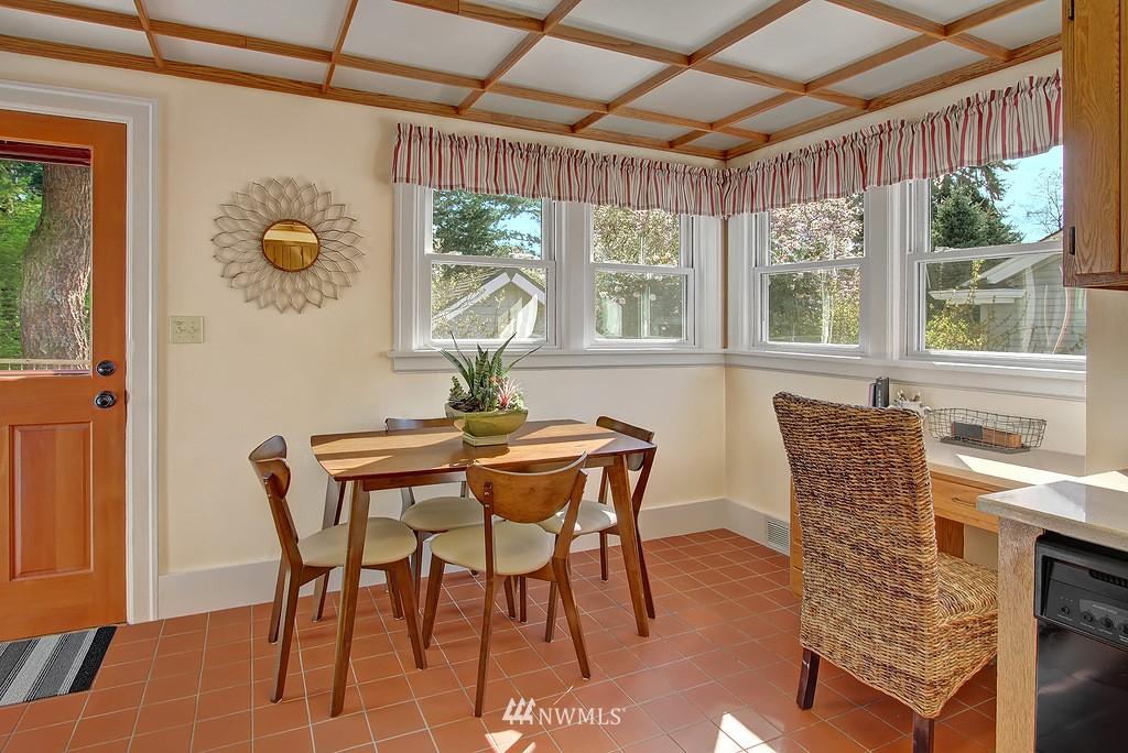 Sold Property | 1043 NE 91st Street Seattle, WA 98115 2