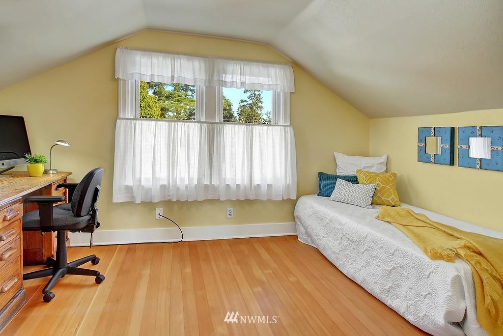 Sold Property | 1043 NE 91st Street Seattle, WA 98115 8