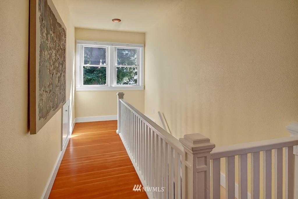Sold Property | 1043 NE 91st Street Seattle, WA 98115 10