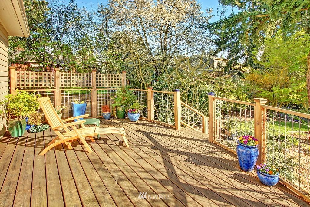 Sold Property | 1043 NE 91st Street Seattle, WA 98115 14