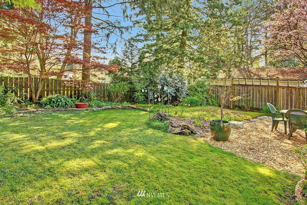 Sold Property | 1043 NE 91st Street Seattle, WA 98115 16