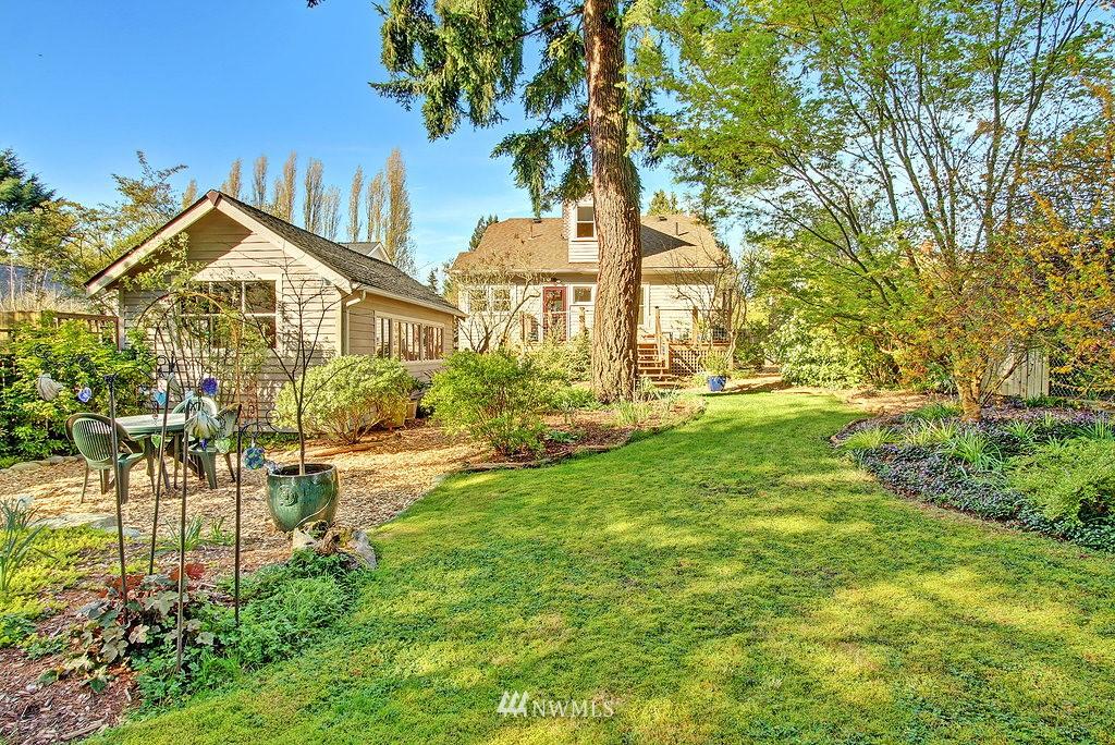 Sold Property | 1043 NE 91st Street Seattle, WA 98115 17