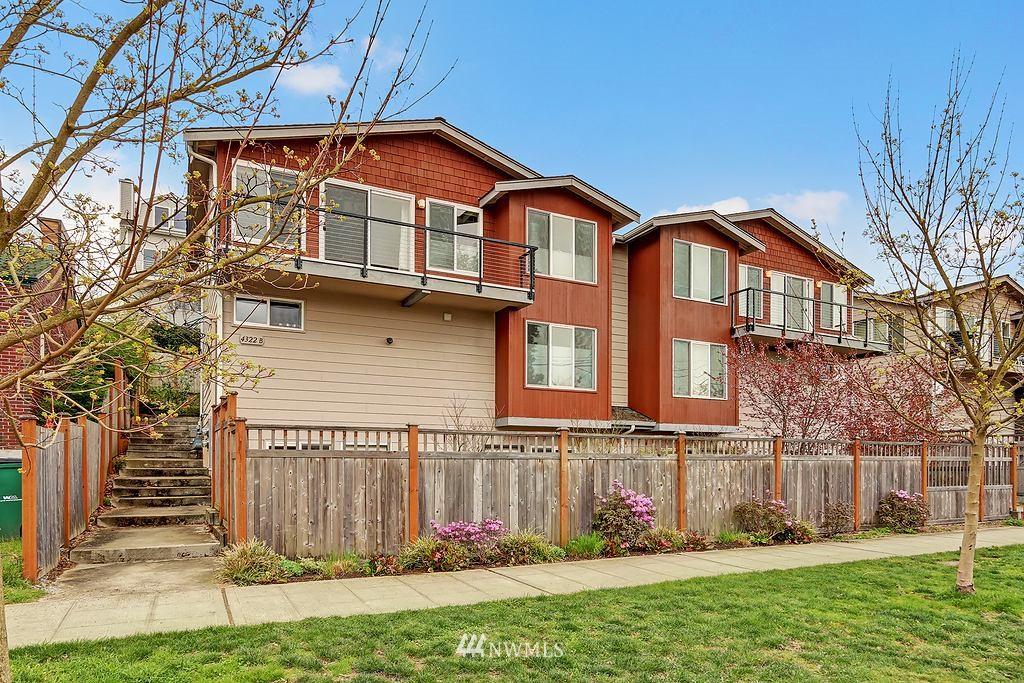 Sold Property | 4322 Greenwood Avenue N #B Seattle, WA 98103 13