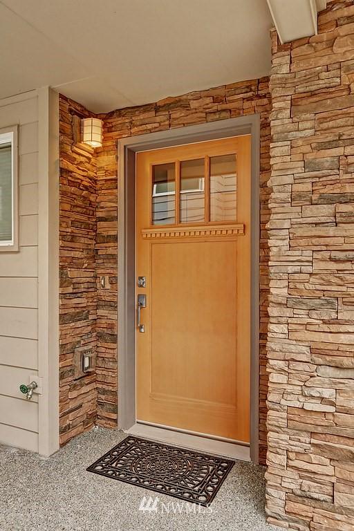 Sold Property | 4322 Greenwood Avenue N #B Seattle, WA 98103 0