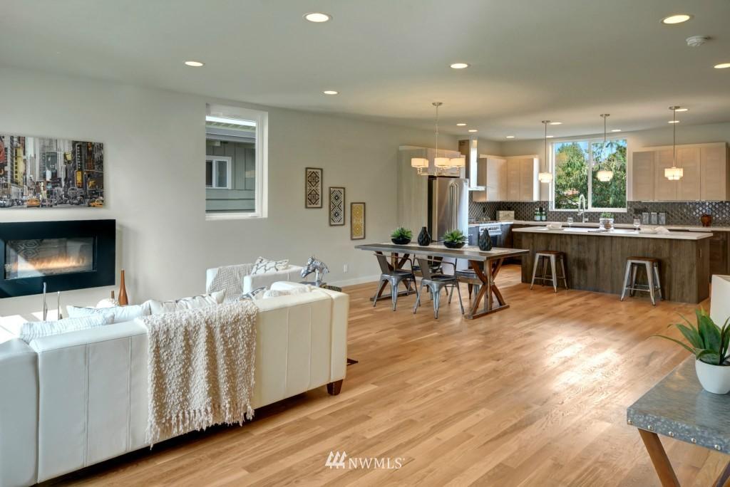 Sold Property | 6532 38th Avenue NE Seattle, WA 98115 4