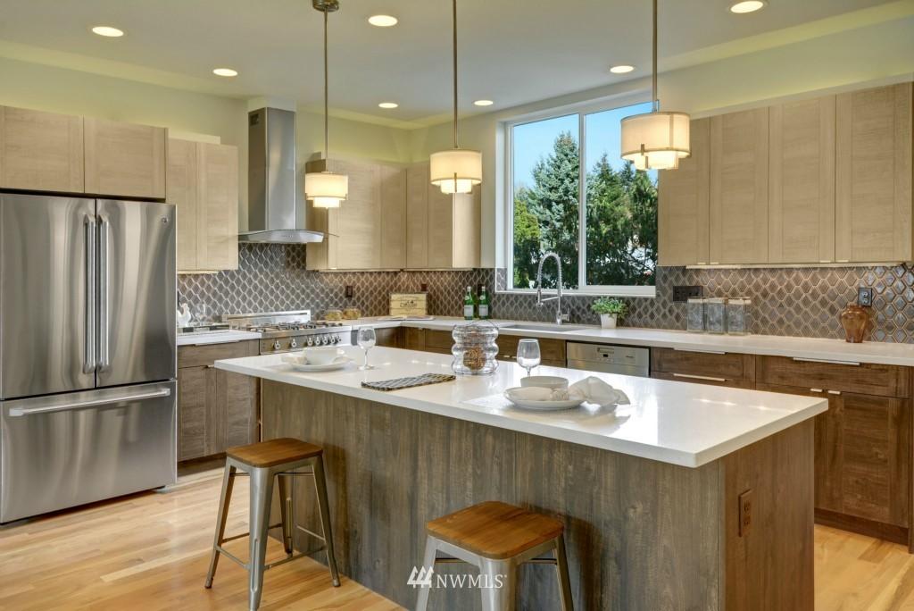 Sold Property | 6532 38th Avenue NE Seattle, WA 98115 8