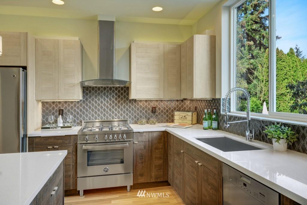 Sold Property | 6532 38th Avenue NE Seattle, WA 98115 9