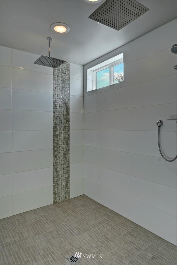 Sold Property | 6532 38th Avenue NE Seattle, WA 98115 13