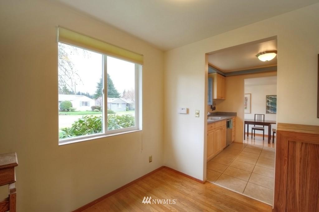 Sold Property | 13519 16th Avenue NE Seattle, WA 98125 10