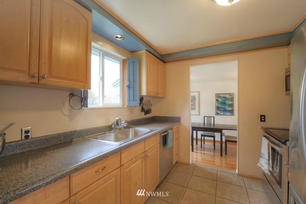 Sold Property | 13519 16th Avenue NE Seattle, WA 98125 11