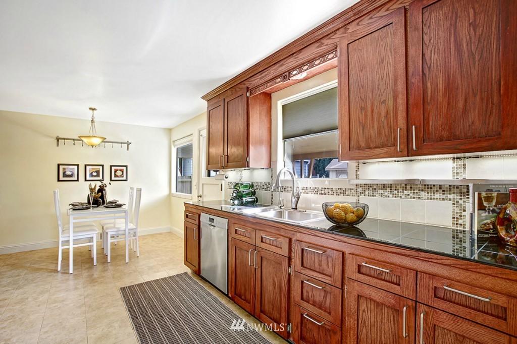 Sold Property   3111 W Barrett Street Seattle, WA 98199 6